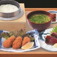 大粒!!牡蠣フライと鰹のわら焼き定食